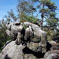 Piknik pod wiszącą skałą ? :) #GóryStołowe #skały #Szczeliniec