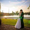 ślubny plener, pewnie ostatni w tym roku #kobieta #dziewczyna #ślub #plener #portret #nikon #passiv #airking #ParkSzczytnicki #wrocław #fontanna #pergole