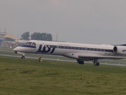 Przykładowe zdjęcie wykonane obiektywem Pentacon 4/300 #samolot #pzk