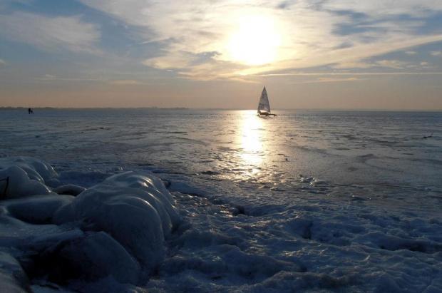 Lodowe Mazury. #zima #lód #bojer #mróz #jezioro #Mazury