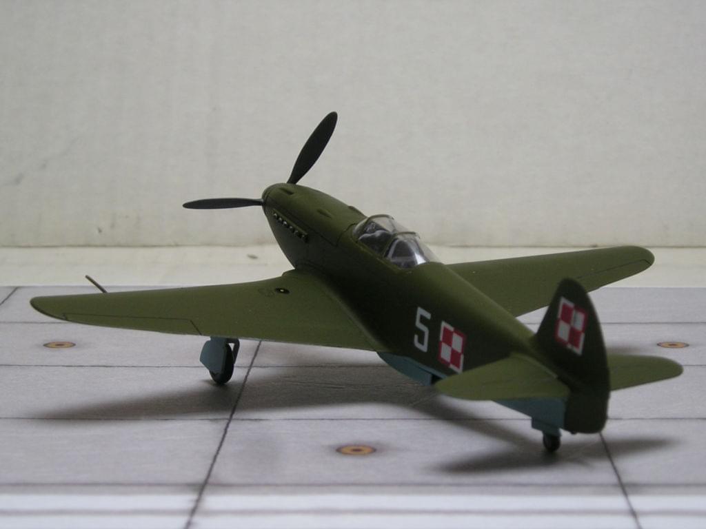 Yak-3 Zvezda snap fit 1/72 0210454a96dfd0ad