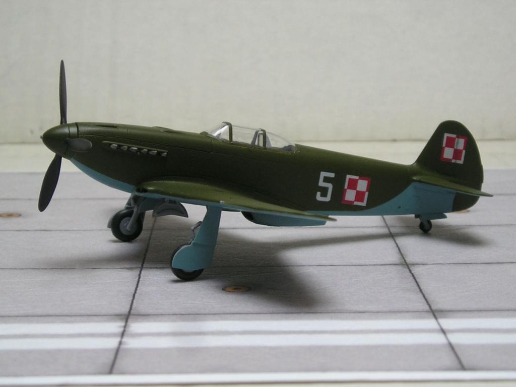 Yak-3 Zvezda snap fit 1/72 62d2a24cfa30ce5a