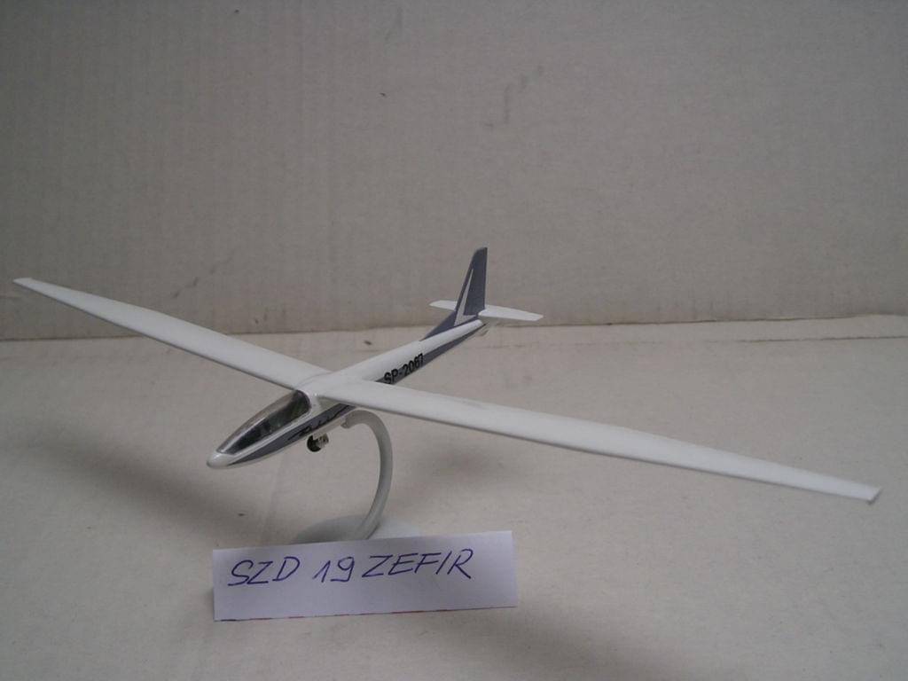 SZD-19 Zefir glider - 1/72 ZTS SIEDLCE 0deea8fdc7c110b5