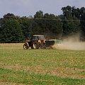 we wrześnioym słońcu .. ;D prace rolne #traktor #rolnictwo