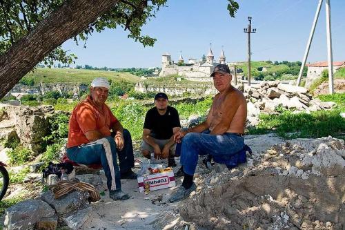 Ukraina - Kamieniec Podolski - pracownicy #Ukraina #KamieniecPodolski #pracownicy