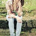 Zamyślona... #kobieta #dziewczyna #szatynka #las #skały #bunkier #passiv #nikon #airking