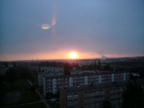 Ufo za oknem ;-) #ZachódSłońca #ufo