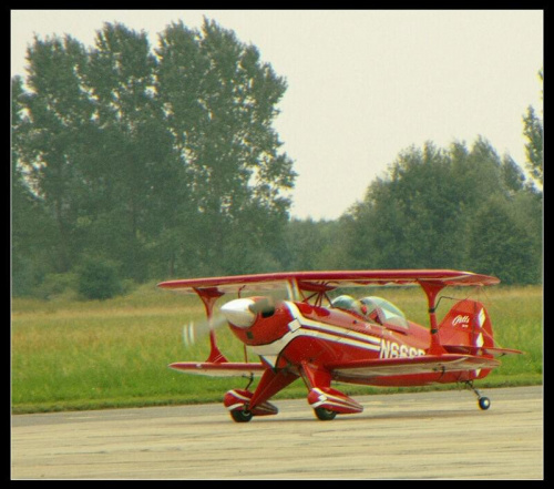 Samolot zwycięzcy 9aawac Pitts. #Radom #sadków #AkrobacjaLotnicza #SamolotAkrobacyjny #dwupłatowiec