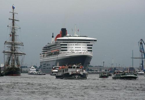 Queen Mary 2 #statek #transatlantyk #ocean #woda #port #hamburg
