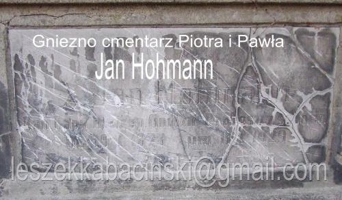 Gniezno cmentarz św. Piotra i Pawła ul. Kłeckowska Tablica, grobowiec na cmentarzu.
